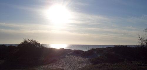 Sonnenaufgang über dem Meer in Marielyst