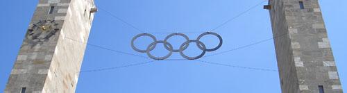 Die Olympischen Ringe am Olympiastadion