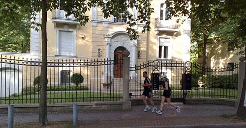 Laufen zwischen Villen in Schmargendorf