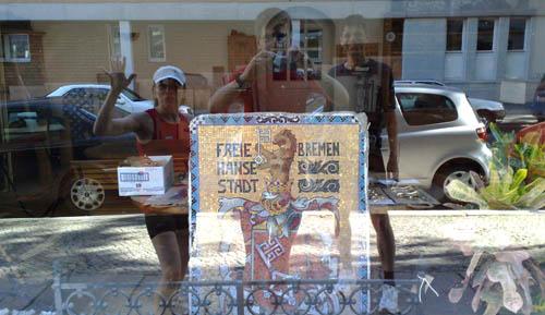 Schaufenster mit dem Bremer Wappen