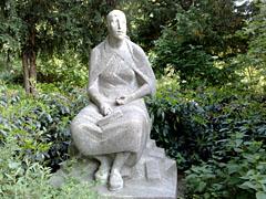 Denkmal der Trümmerfrau in der Hasenheide