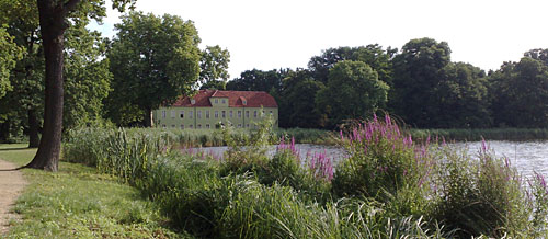 Grünes Haus am Heiliger-See-Ufer