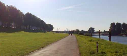 Osterdeich mit Weserstadion