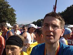 Läufer nach dem Zieleinlauf