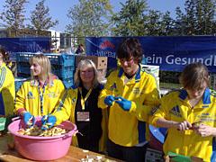 Verpflegungsstand im Zielbereich des Berlin-Marathon