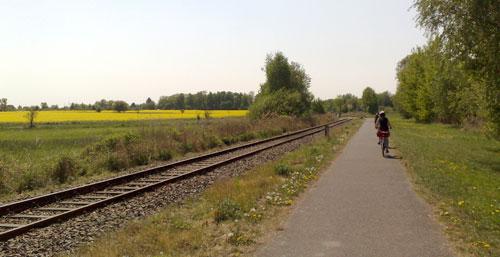 Radfahrer auf dem Mauerweg