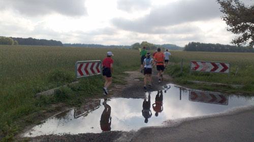 Spiegelungmit Läufern