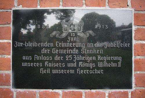 Tafel an der Dorfkirche Alt-Staaken