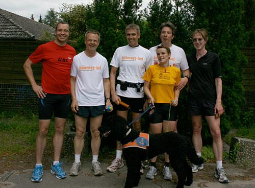 Staffelstab-Übergabe von Läufer-Team 10