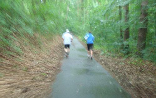 Läufer im Regen