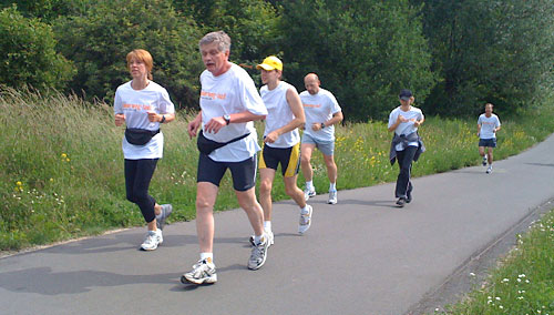 Das Läufer-Team 6 auf dem Mauerweg