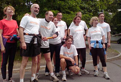 Staffelstab-Übergabe Läuferteam 7 und Team 8