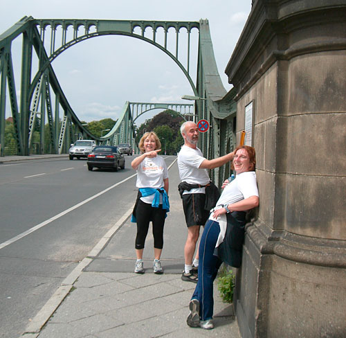 Auf der Glienicker Brücke