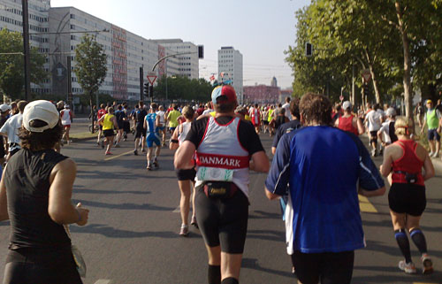 Dänischer Läufer mit Propeller-Hut