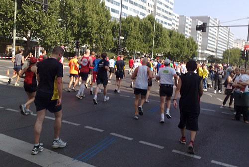 Marathon-Läufer auf der Leipziger Straße