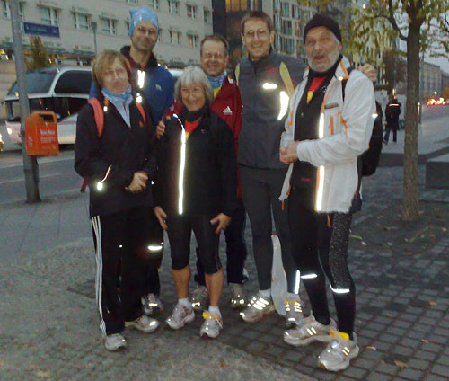 Die Mauerweg-Läufer vor dem Human Race Light Run