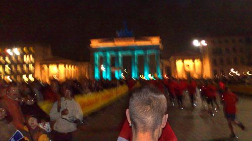 Das prächtig beleuchtete Brandenburger Tor