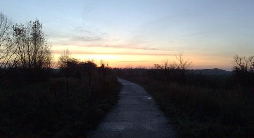 Mauerweg bei Sonnenaufgang