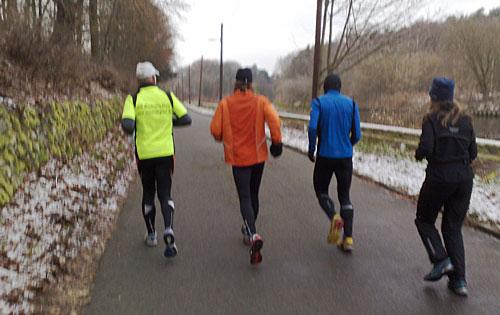 Mauerweg-Lauftreff-Läufer am Teltowkanal