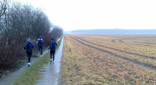 Laufen am Feldrand
