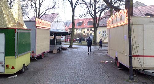 Läufer auf dem Weihnachtsmarkt
