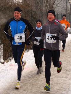 Läufer beim Halbmarathon der Winterlaufserie