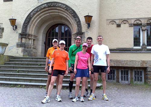 Läufer-Gruppenbild in der Hakeburg