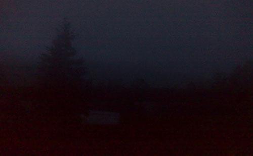 Dunkelheit und Nebel