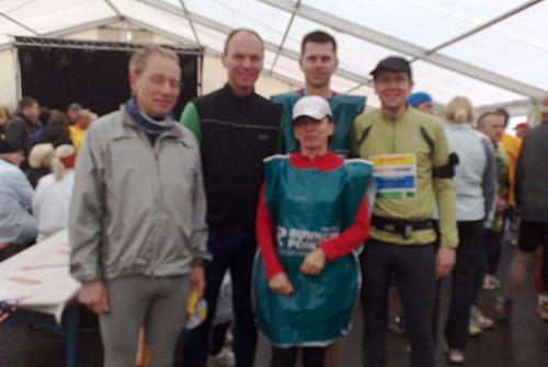 Läufer-Gruppe im Festzelt