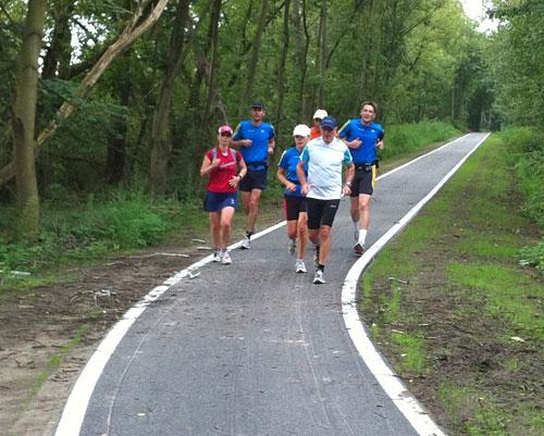 Läufer-Gruppe von vorne