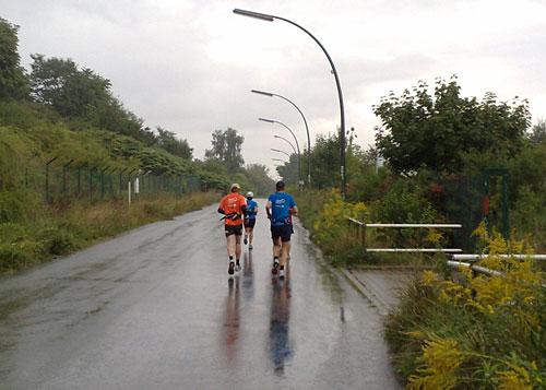 Läufer im strömenden Regen