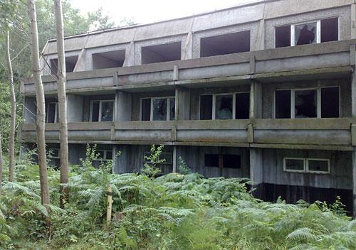 Ferienanlage-Ruine