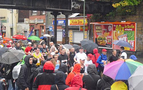 Zuschauer und Läufer an der Yorckstraße