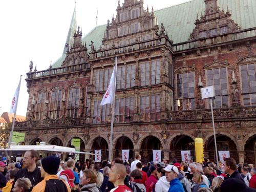Läufer vor Bremer Rathaus