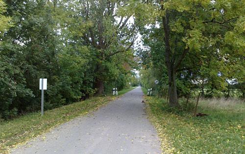 Straße hinter Bollen