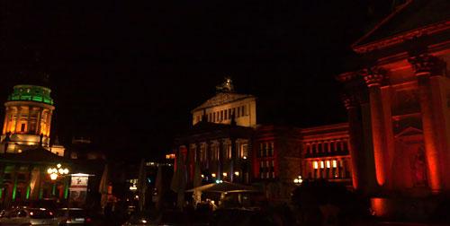 Bunt beleuchteter Gendarmenmarkt