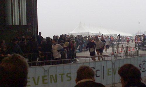 Marathon-Staffel auf dem Flughafen Tempelhof