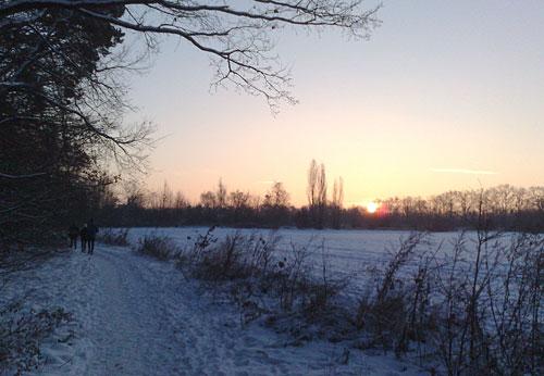 Läufer vor Sonnenaufgang