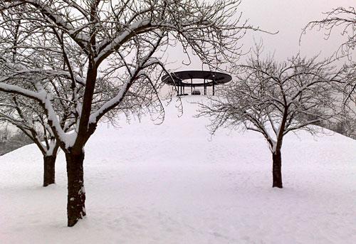 Lilienthal-Denkmal im Schnee