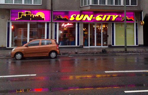 Leuchtreklame Sun City