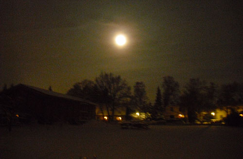 Mond über Marienfelde