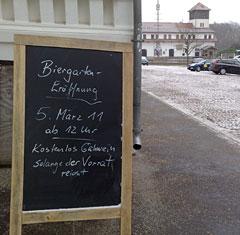 Schild Biergarten-Eröffnung