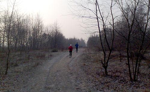 Läufer auf dem Mauerweg