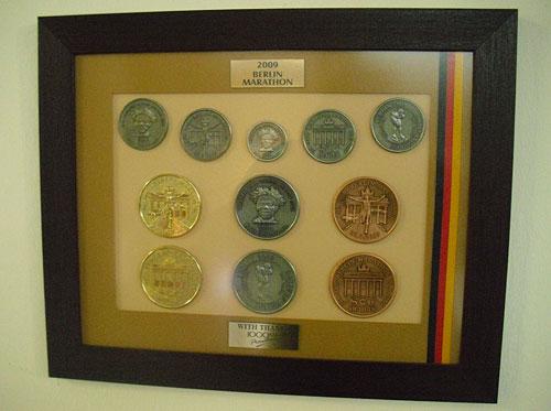 Medaillen des Berlin-Marathon 2009
