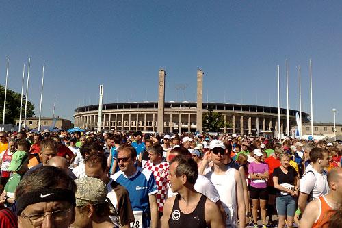 Läufer vor Olympiastadion