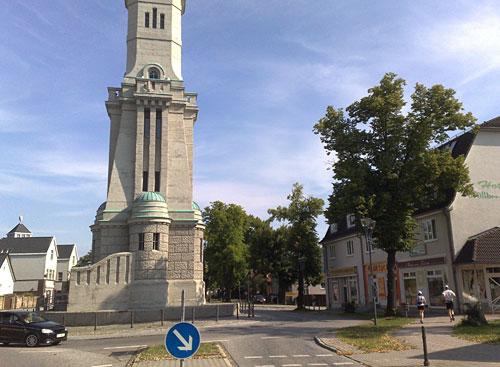 Turm von Großbeeren mit Läufern