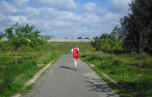 Ultraläufer auf dem Mauerweg