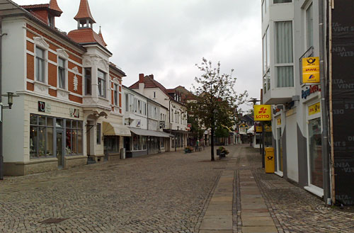 Fußgängerzone mit Läden