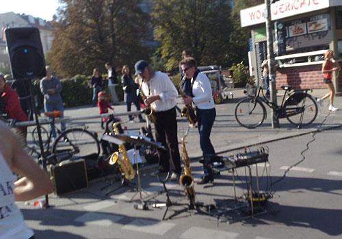 Musiker an der Marathonstrecke