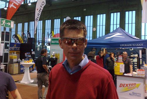 Läufer mit cooler Sportbrille